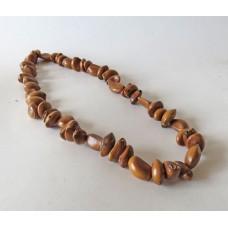 263 Halsband av frön